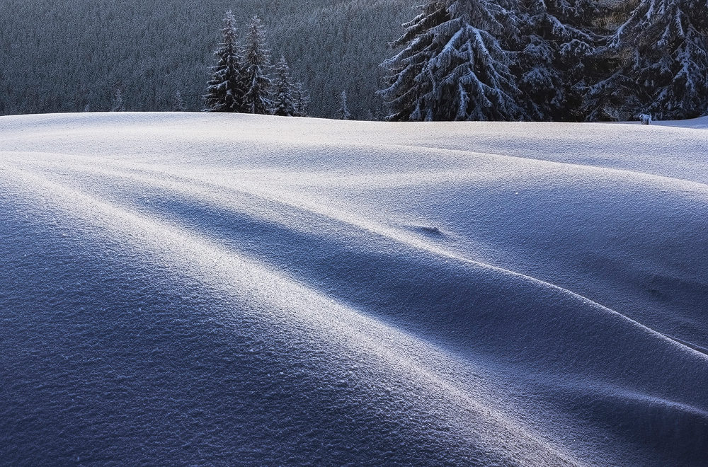 snow-dunes-surean-mountains