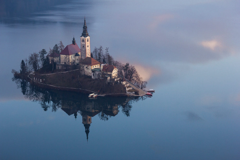 Bled-Slovenia-island-in-the-middle-of-the-lake-Bled
